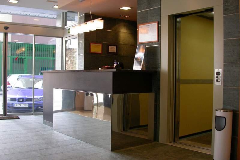 Exe Puerta de San Pedro - Hotel - 0