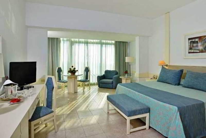 Tryp Habana Libre - Room - 11