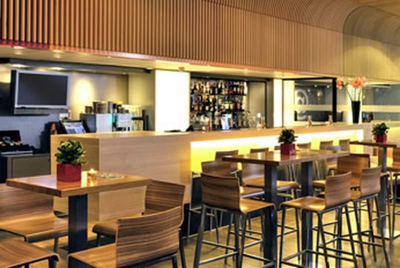 Ibis Amsterdam Centre - Bar - 8