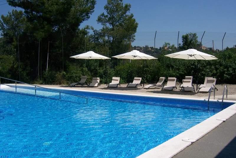 Inout Hostel - Pool - 4