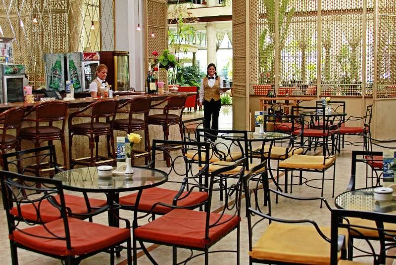 Tryp Habana Libre - Bar - 15