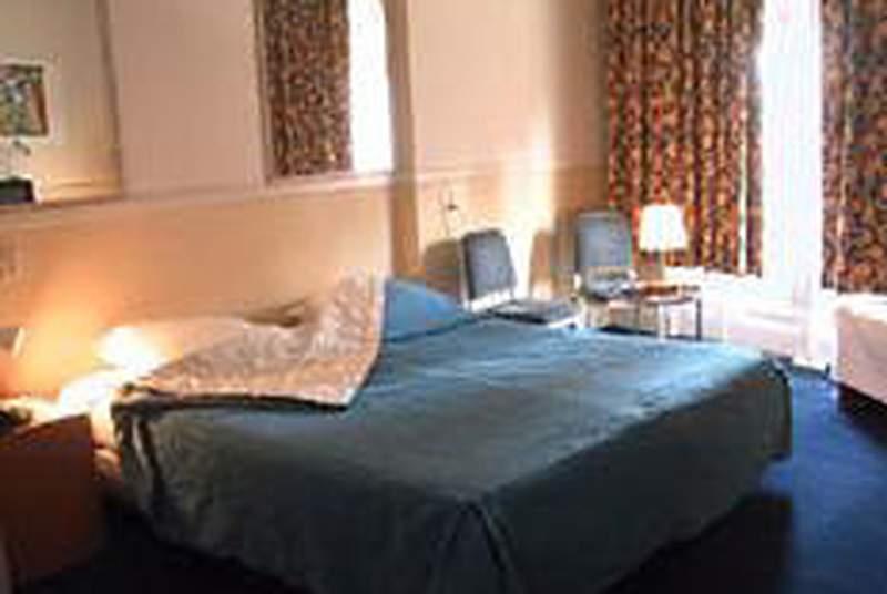 Delta Hotel - Room - 3