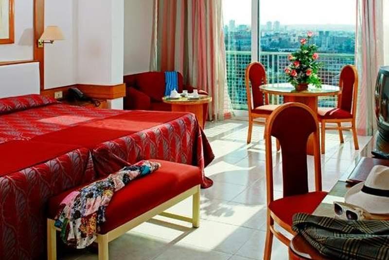 Tryp Habana Libre - Room - 7